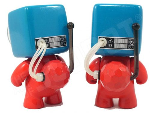 dr suess bot 1 bot 2 thing 1 thing 2 back view robot sculpture