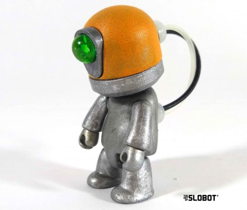 Mike Slobot Qee DBX1 Toy2R View 2
